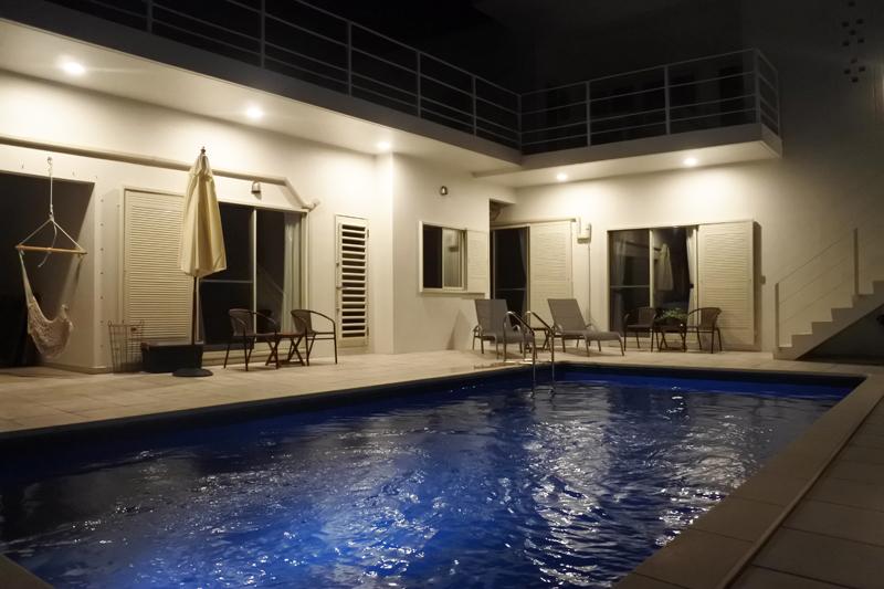 プール付のホテル